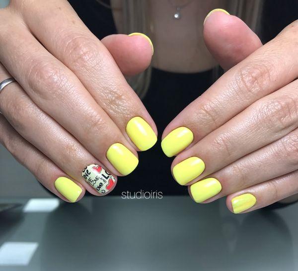 Желтый маникюр с пленкой NCLA