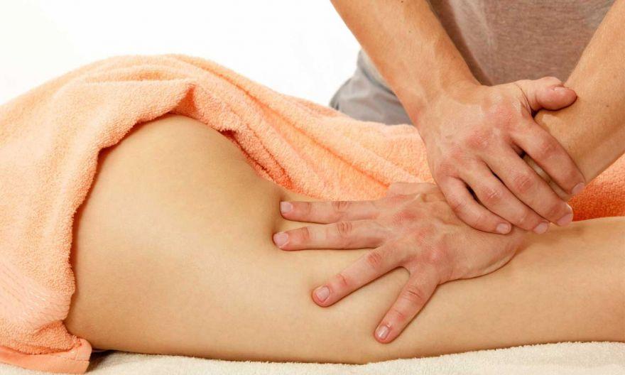 Девушка на антицеллюлитный массаж массаж эротический савеловская